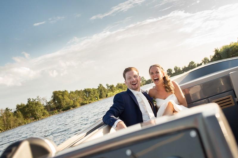 Bruidsfotografie op of aan het water bij Hilversum